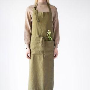 Olivově zelená lněná zástěra Linen Tales Chef, délka 100cm