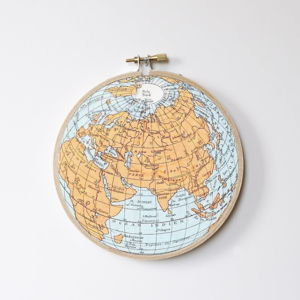 Nástěnná dekorace Little Nice Things Stitch Hoop Worldmap, ⌀ 27 cm